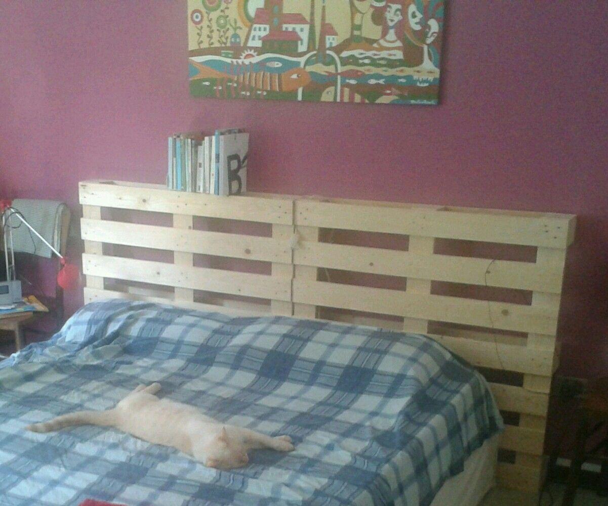 Testiera del letto fai da te vecchia versione con i - Testiera letto pallet ...