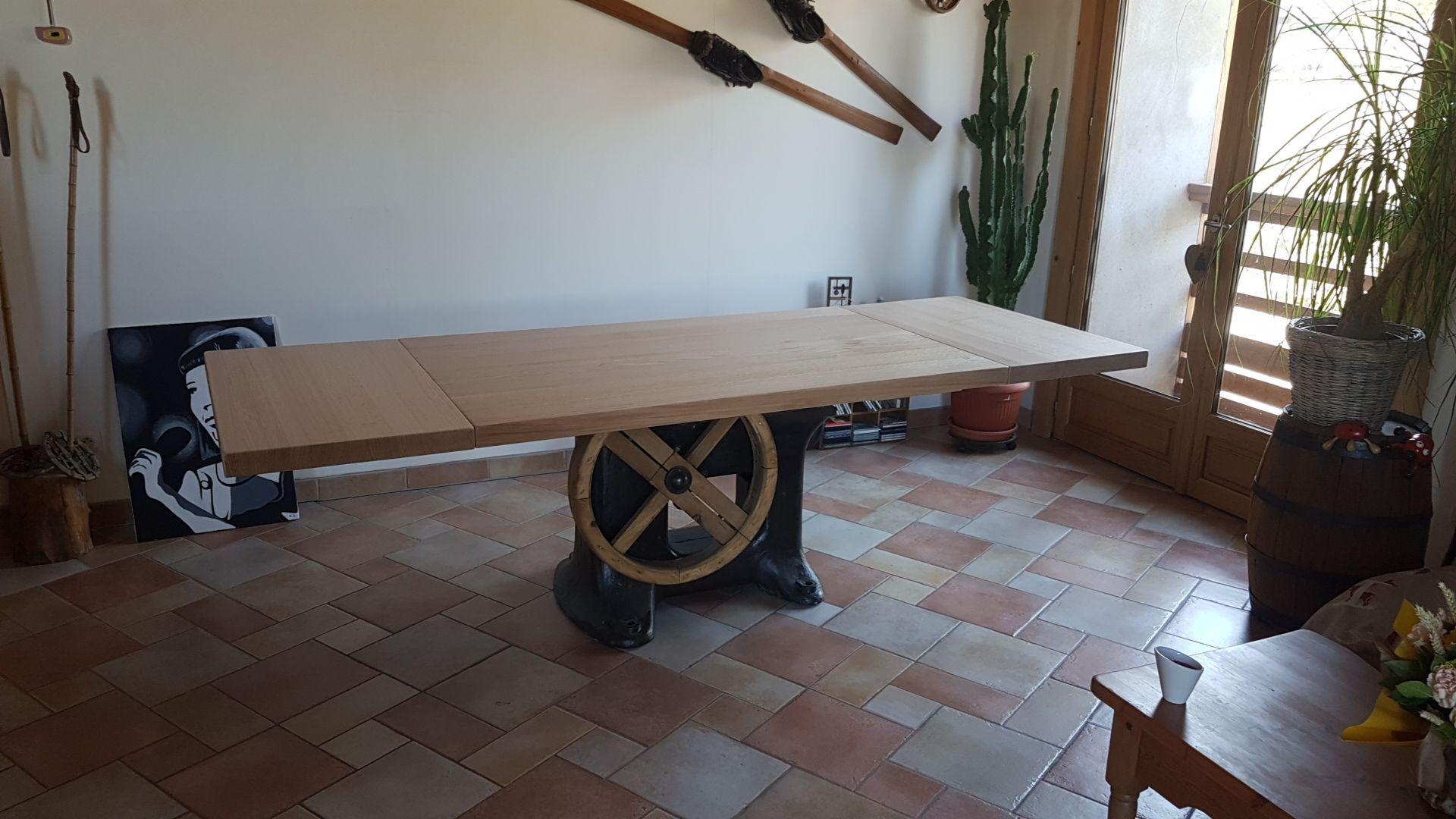 Grande Table Industrielle Pied Central Ancien En Fonte à