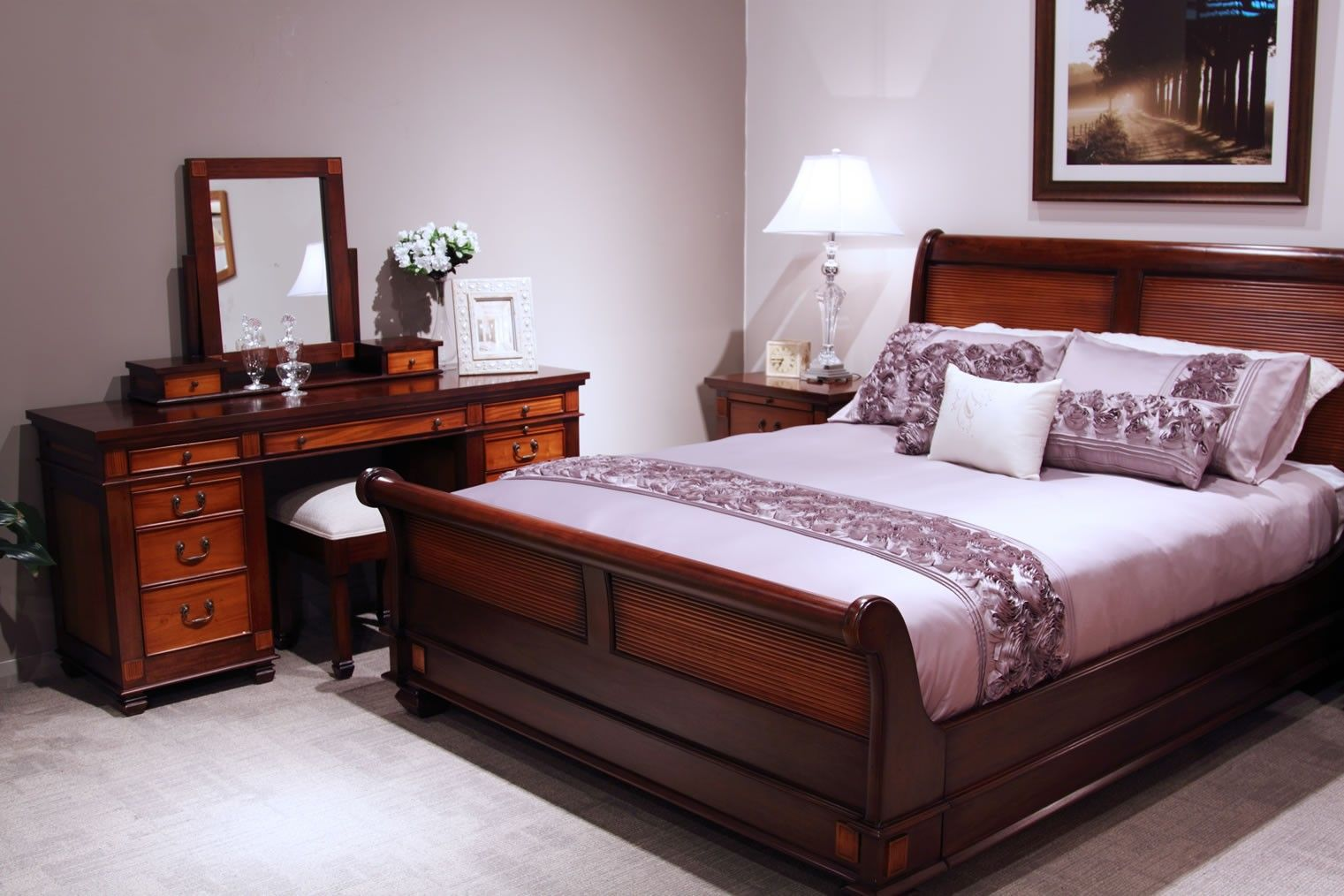 Bedroom chelmsford mahogany queen b on mahogany bedroom furniture sets suites chelmsford queen bed on adadisini info