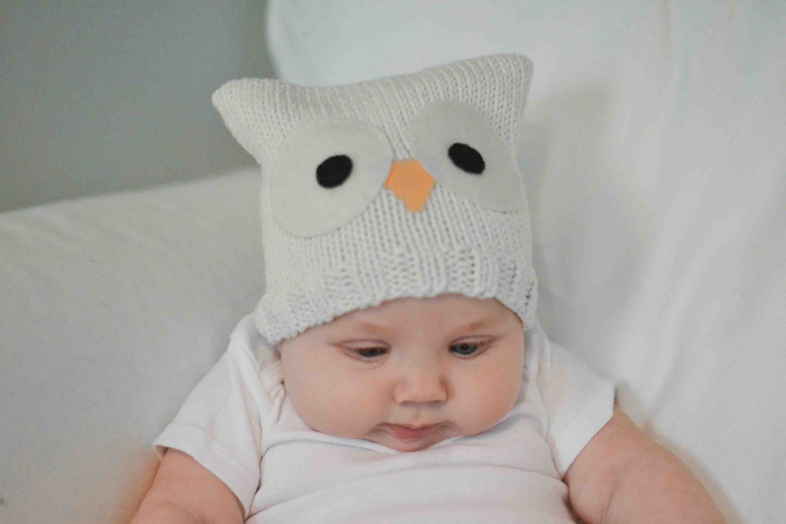 Little and Lovely: Ella's favorite knit baby hats