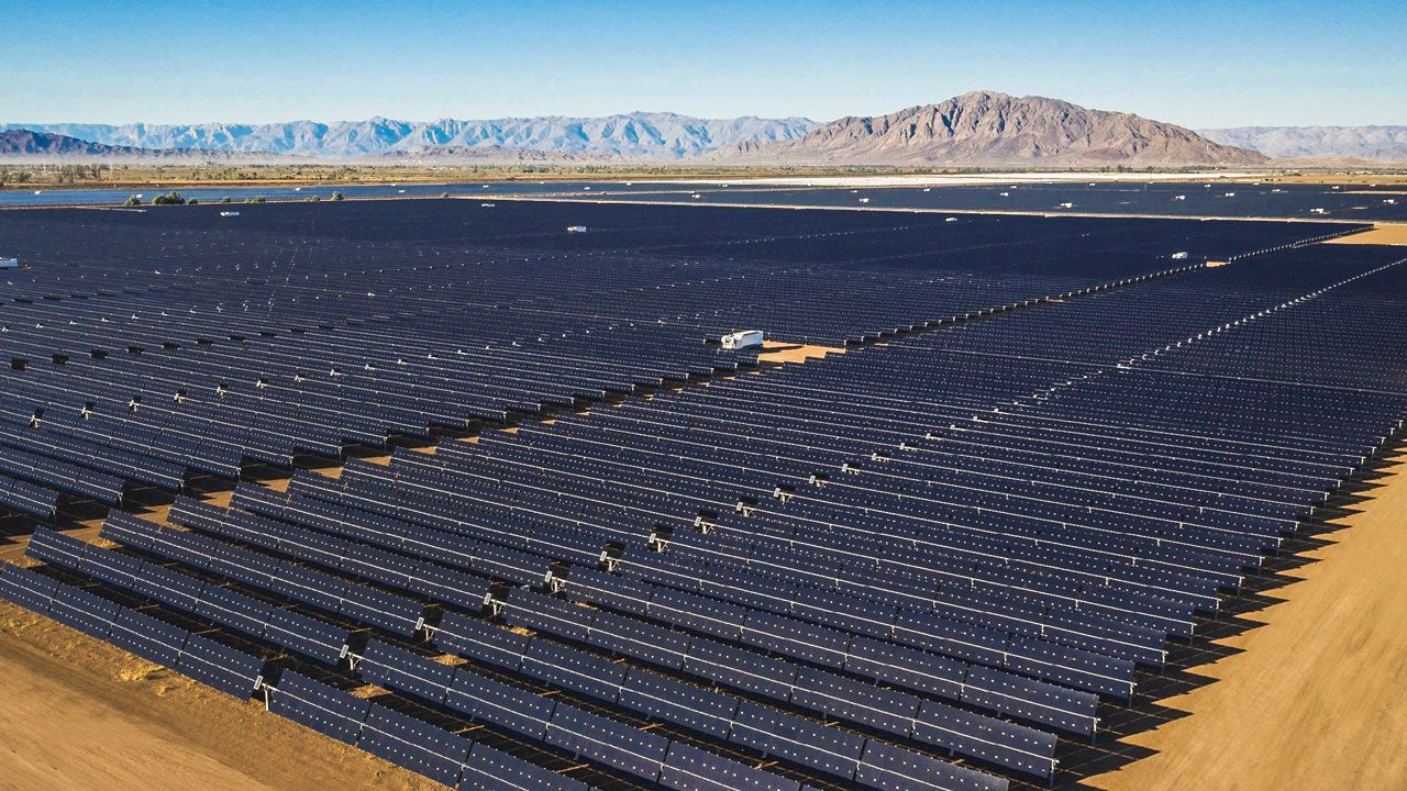 Giant Batteries And Cheap Solar Power Are Shoving Fossil Fuels Off The Grid Cheap Solar Solar Farm Solar Power