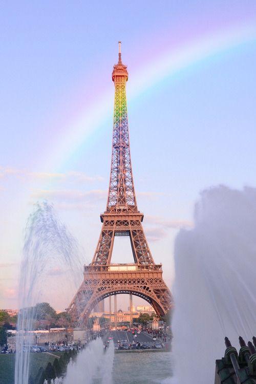 Paris - Eiffel Tower - Rainbow - Fountain