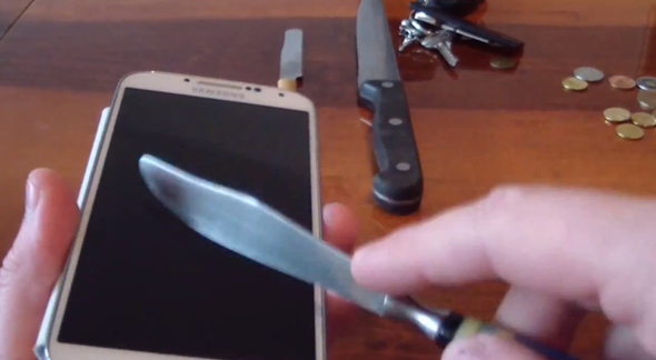 GALAXY S4 SCRATCH TESTED TO THE EXTREME, GORILLA GLASS 3 HOLDS UP [VIDEO] Posted on Apr 23, 2013  One of the first videos to show a Galaxy S4 to have a knife taken to it shows that Samsung's new smartphone should be able to hold its own in a ...