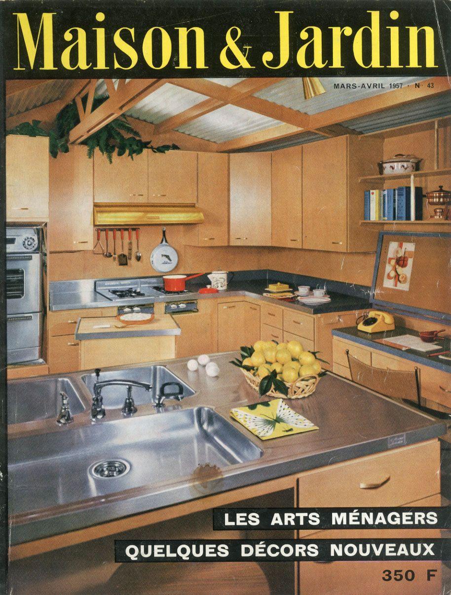 cuisine avec plan de travail en presqu 39 ile et un plan mobile mont sur roulettes en couverture. Black Bedroom Furniture Sets. Home Design Ideas