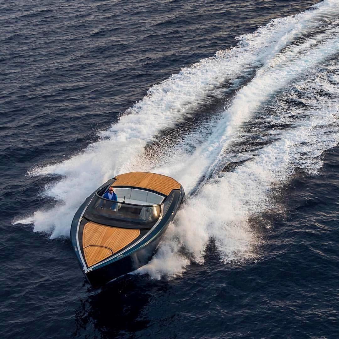Aston Martin Am37 Quintessenceyachts Boat Design Aston Martin Boat