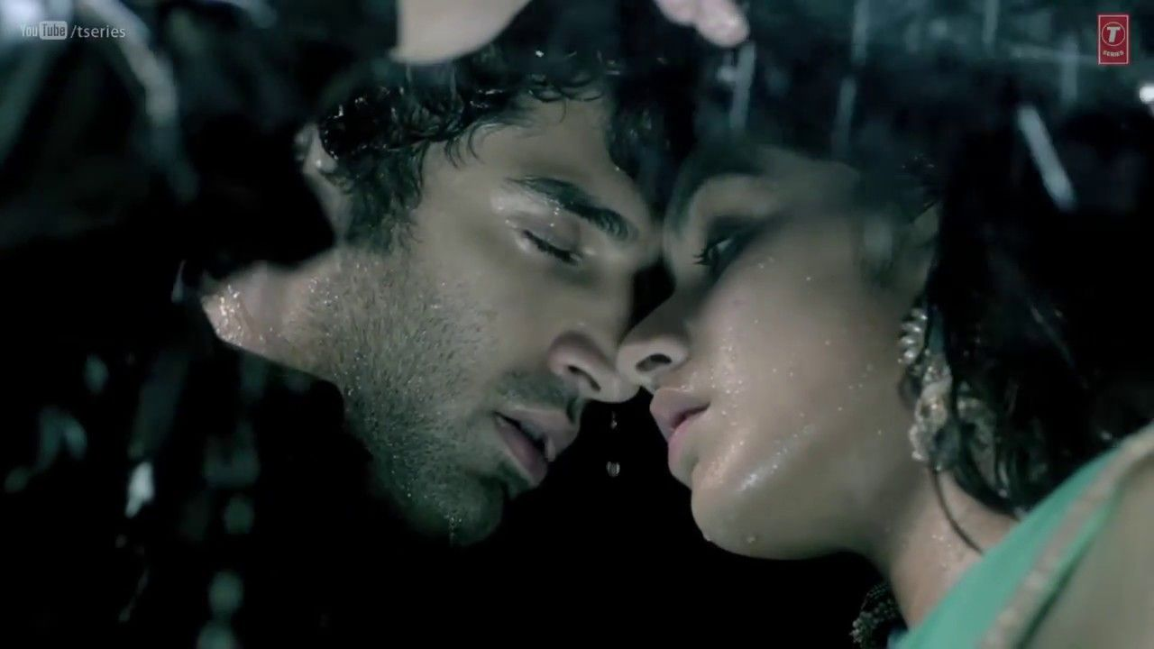Aashiqui 2 couple dating another woman
