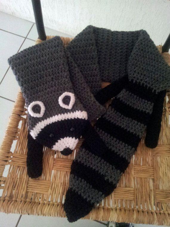 Bufanda Mapache en crochet por Tejetejon en Etsy, $35.00