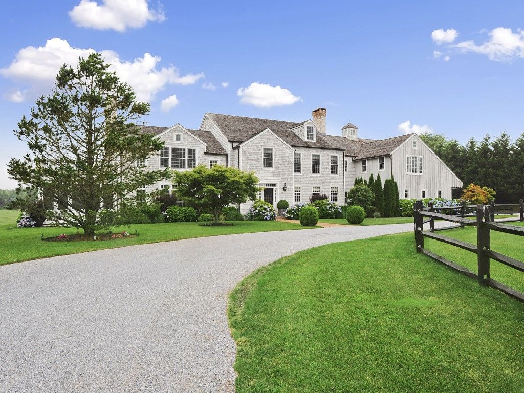 possible venue Nantucket style homes