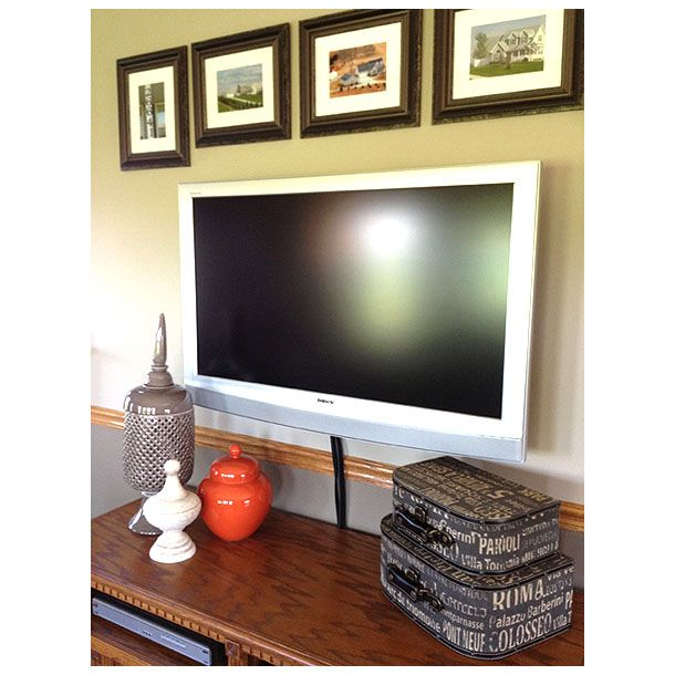 Decorating Around A Flat Screen TV. Mounted ...