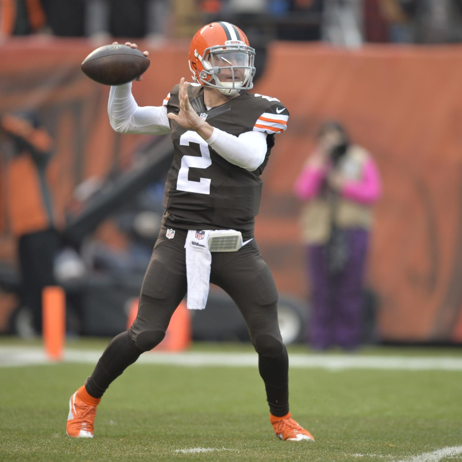 Browns Vs Panthers Breaking Down Cleveland S Game Plan Johnny Manziel Cleveland Browns Football Cleveland Browns Quarterback