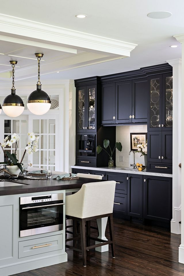 reinvented classic kitchen design home bunch interior design ideas classic kitchen design on kitchen interior classic id=13998