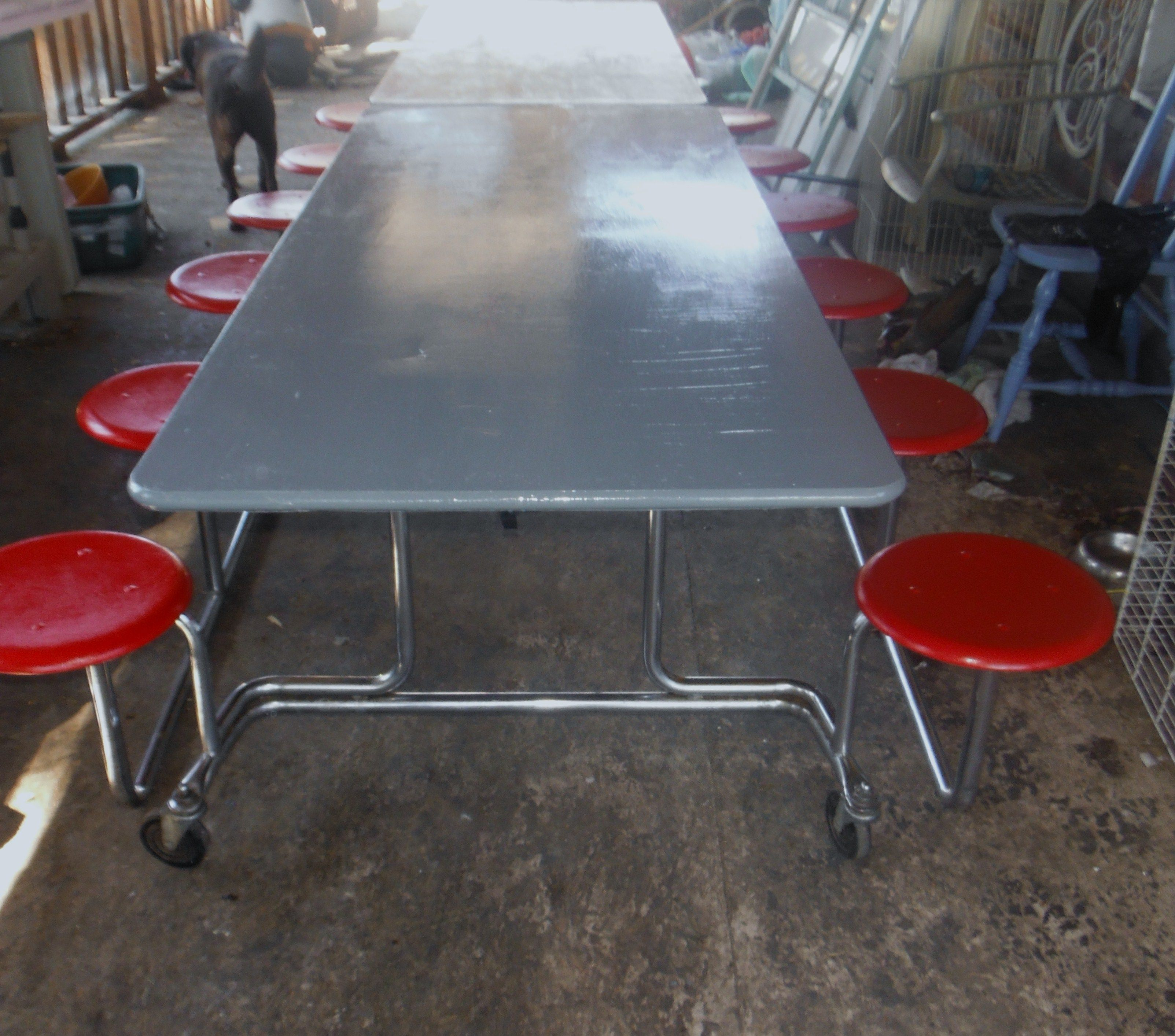 Cafeteria Table Re Do I Searched Pinterest And The Internet Far And Wide To Find A Table That Had Been Redone Couldn T Fin Cafeteria Table Table Cafeteria