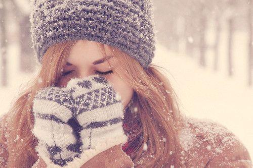 Frio!!!! acompanhada claro de um cobertor de orelha! hahaha