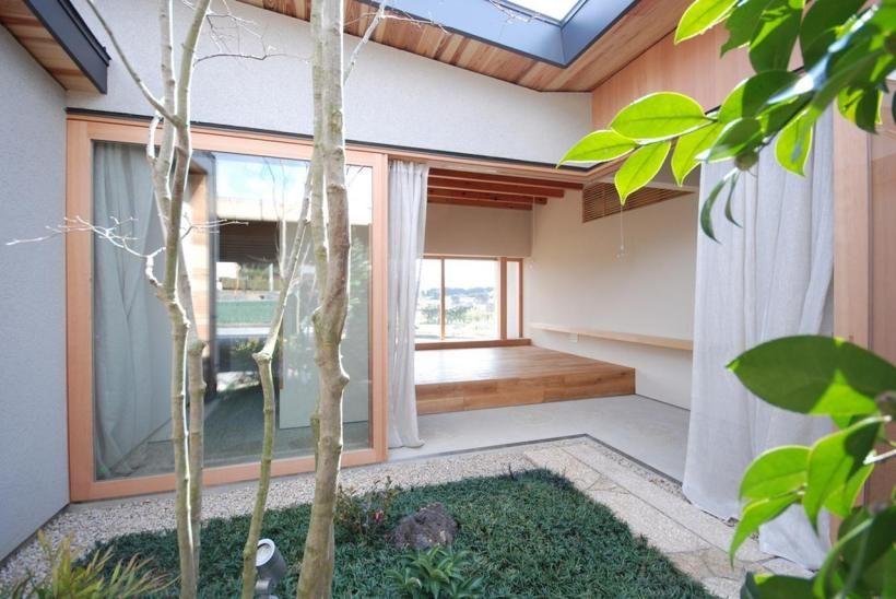 The Kishigawa Residence, a 49.6 m2 (534 ft2) courtyard ...