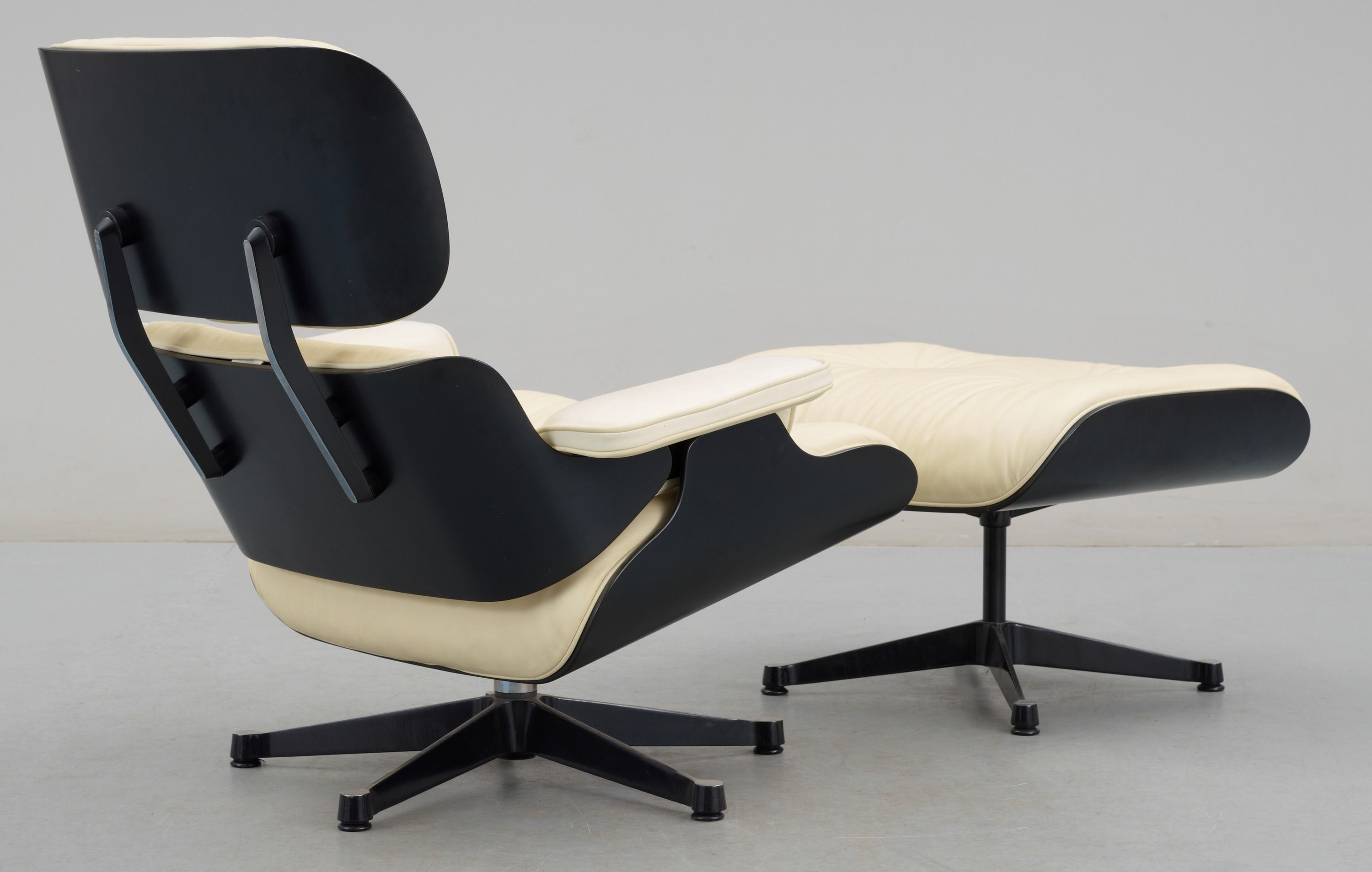 Best Black And White Lounge Chair Eames 400 x 300