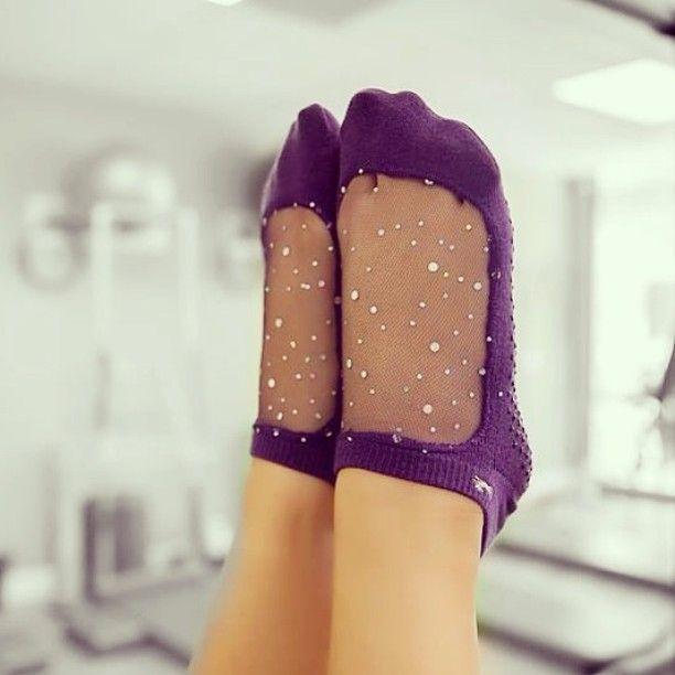 Sparkle while you workout! ✨ #Shashi #shashionline #shashistar #shashisocks #purple #meshsocks #gripsocks #pilatessocks #barresocks #yogasocks #sparklesocks