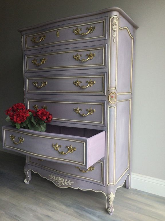 77 Fabulous DIY Chalk Paint Ideas For Your Furniture Check more at https://www.home123.co/77-fabulous-diy-chalk-paint-ideas-furniture/