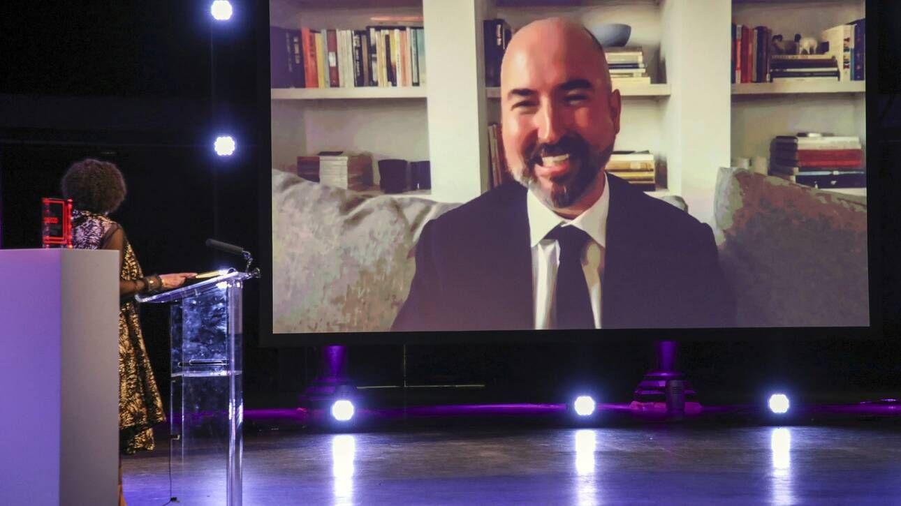 Photo of Λογοτεχνικό βραβείο Booker: Ποιος είναι ο σχεδιαστής μόδας που έγινε λογοτέχνης