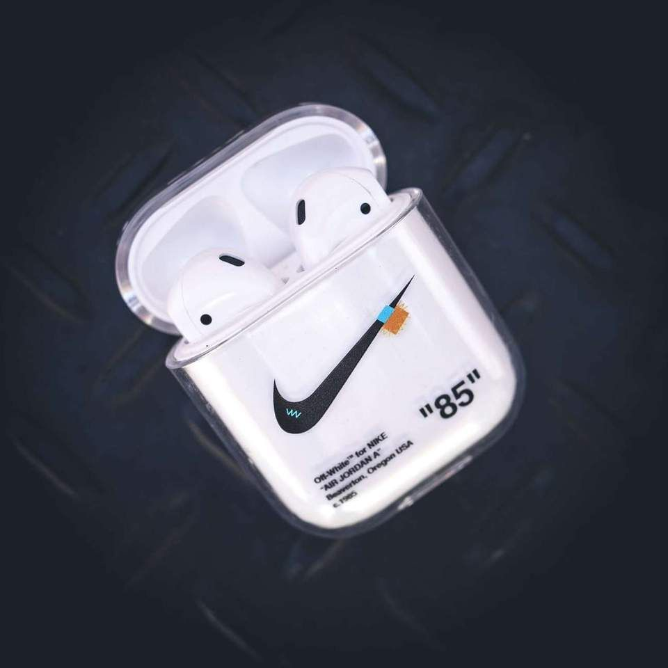 Swoosh Airpods Case In 2020 Airpod Case White Nikes Apple