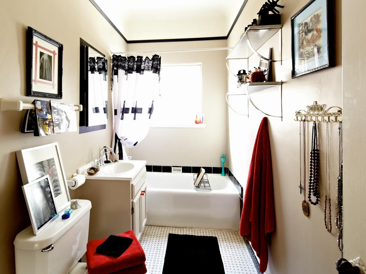Gothic style decor for teenagers | Teenage girl bathrooms, Diy ...
