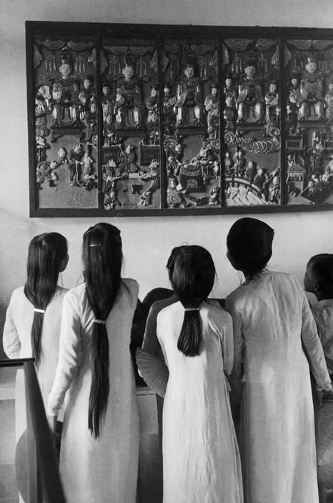INDOCHINA. Hanoi Museum. 1952. by Werner Bischof