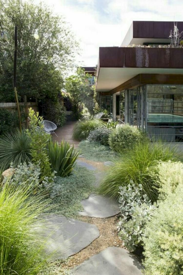 55 Admirable Front Yard Walkway Landscaping Best Ideas Desain Kebun Modern Desain Lanskap Halaman Belakang