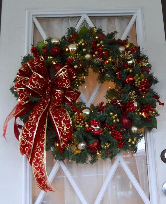 15 Alluring Handmade Christmas Wreath Designs That Will Look Great On Your Front Door - #15 #Alluring #Christmas #Designs #Door #front #Great #Handmade #Look #on #That #Will #Wreath #Your
