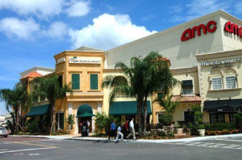 d3e66d483746622f88b24ddb900c3db7 - Saks Fifth Palm Beach Gardens Mall