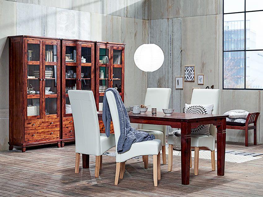 FREDERICIA vitrin és asztal BAKKELY székekkel Ipari