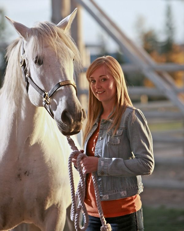 b686cfe87 Amber Marshall as Amy Fleming in Heartland | Amber Marshall in 2019 ...
