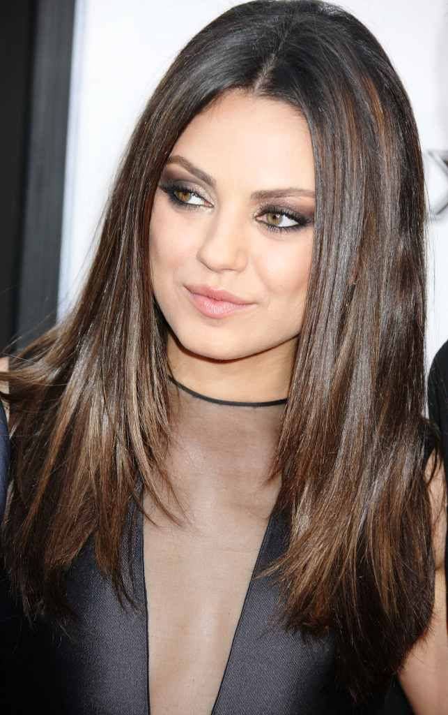 Best Hairstyle For Heavy Face : Medium long hair with thick medium hairstyles for