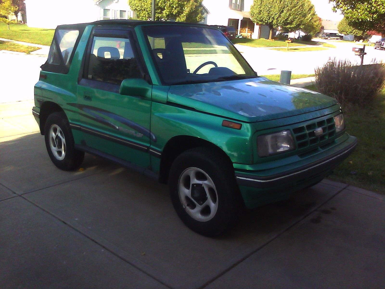 1994 Geo Tracker 2 Dr LSi 4WD Convertible