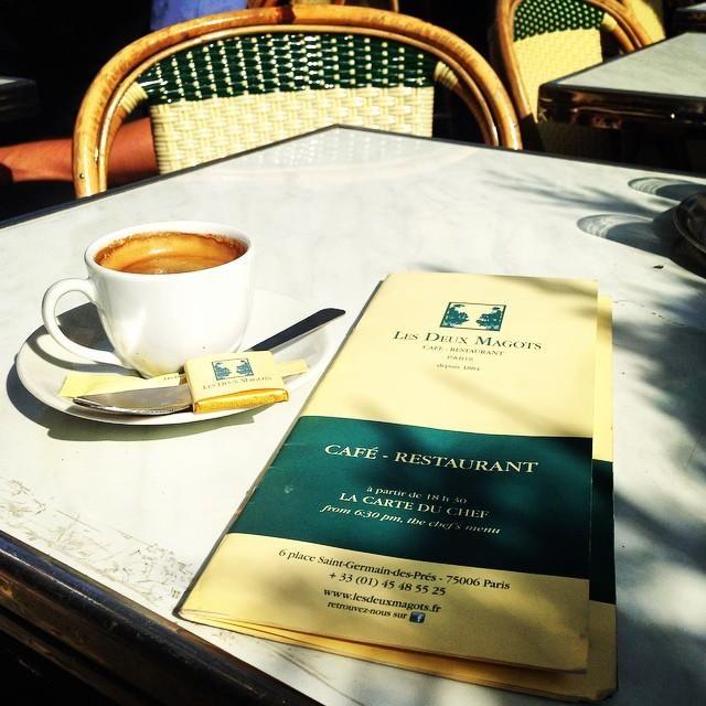 """#MercrediGastronomie, par ces radieuses journées de Septembre, rien de tel qu'un café en terrasse!   #GastronomyWednesday, Sun is shining in Paris! Nothing better than a coffee """"en terrasse""""...!   Les Deux Magots   #luxury #paris #frenchtouch #parisianlife #gastronomie #gastronomy #deuxmagots #paris #france #terrasse #café"""