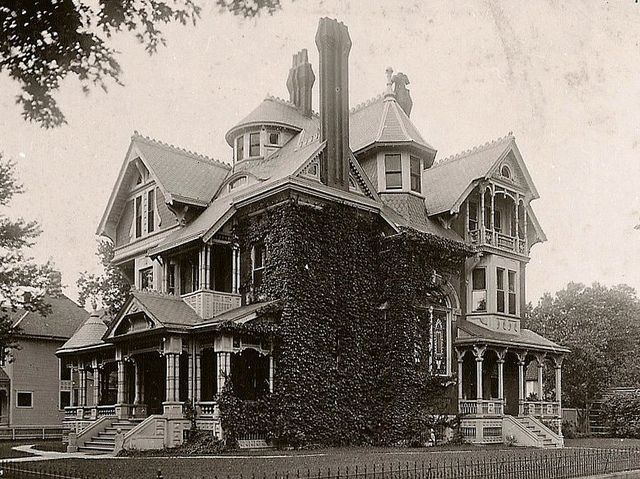 Alfred W Bitting Mansion Wichita Ks Creepy Houses Victorian Homes Victorian Architecture