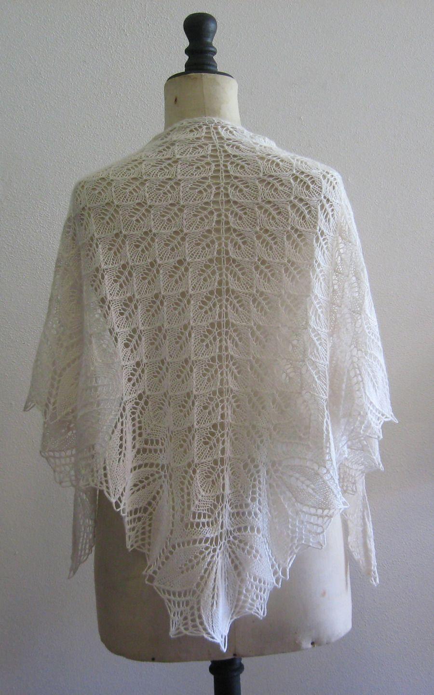 ch le etole de mari e cachemire et laine d 39 agneau triangulaire dentelle tricot echarpe. Black Bedroom Furniture Sets. Home Design Ideas