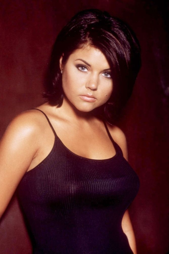 Tiffani Thiessen as Valerie Malone, 90210 | ♀ Tiffani ...