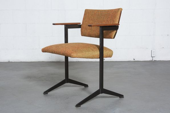 Auping Friso Kramer Style Arm Chair