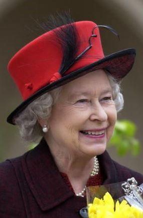 Inventory Queen Elizabeth S Red Hats Queen Elizabeth Queen Hat Queen And Prince Phillip