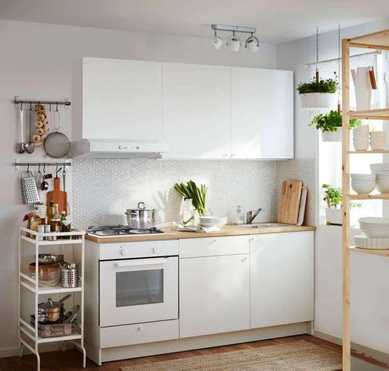 Cucine Ikea 2018 - Cucina bianca con piano in legno