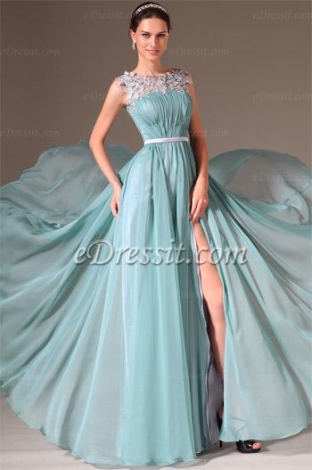 Image via We Heart It #dress #dresses #fashion #eveninggowns #edressit #highslitgowns #formaldressesgreen #greengownsformal