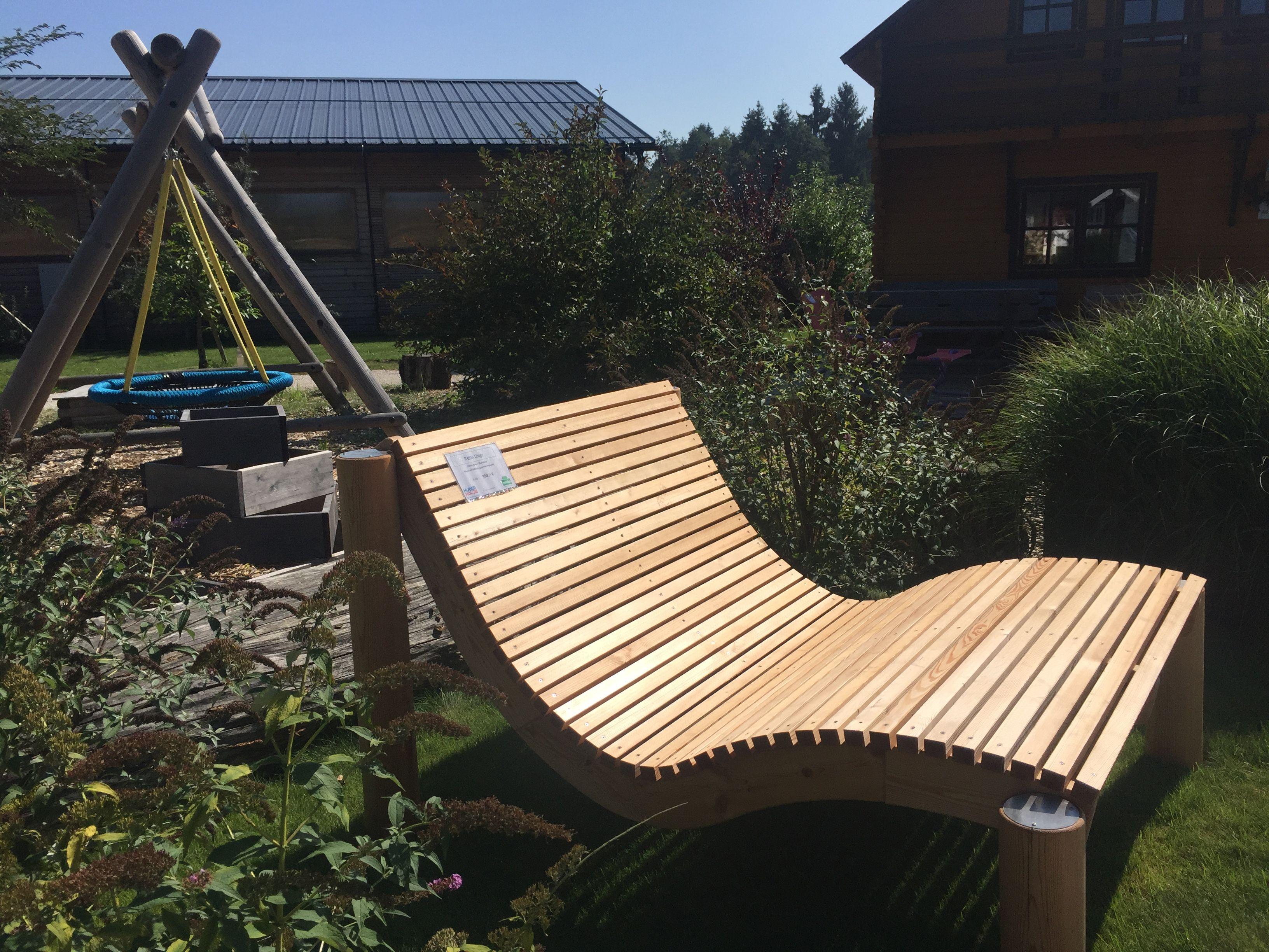 Relaxliege Fur Haus Und Garten Gemutlich Fur Die Ganze Familie Garten Liege Holz Weissgmbh Flachau Holzliege Relaxliege Holz Spielhaus Garten