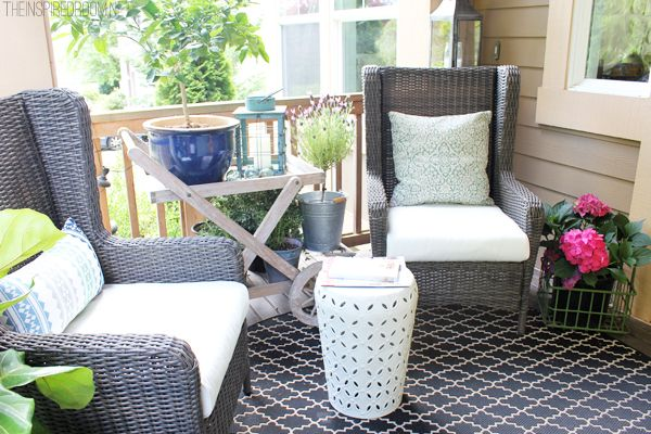 Awesome Outdoor Wingbacks For The Front Porch