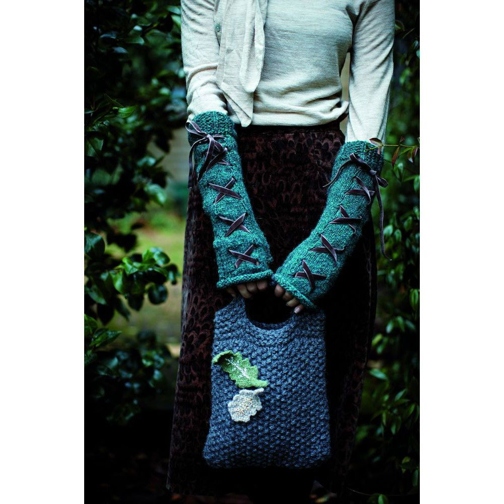 An essential collection of over thirty brilliant accessory designs by Martin Storey. Warm, cozy scarves, hats and mittens nestle alongside snugly shrugs and bags and super comfortable cushions all designed using Rowan's Lima and Alpaca Chunky yarns. Try it with: Rowan Alpaca Bulky and Rowan Lima