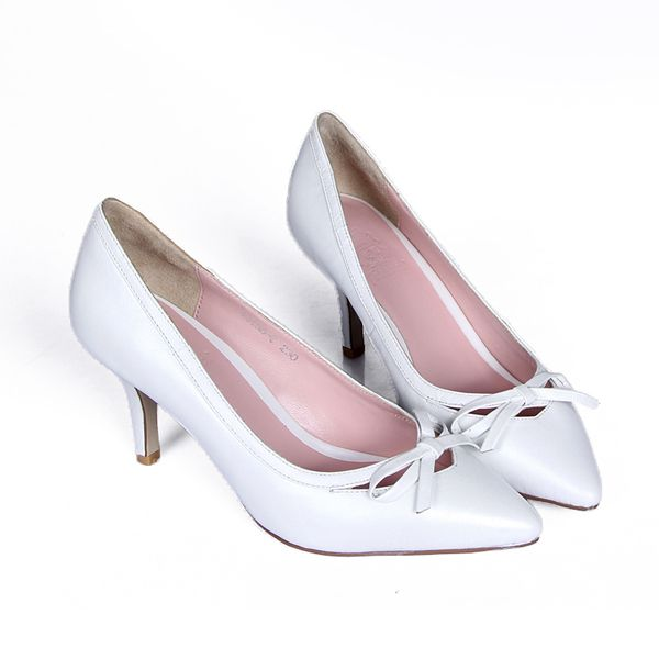 Cheap shoes heel spurs, Buy Quality shoes handmade directly from China shoe covers for heels Suppliers: Details: A sweet bow lends feminine charm to this elegant point-toe pump in genuine leather.Self-covered he
