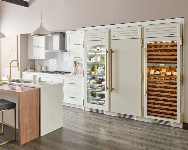 True Residential Luxury Refrigerators With Commercial Dna Luxury Refrigerator Commercial Style Kitchen Home Decor Kitchen