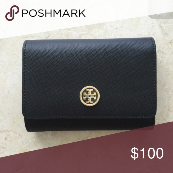 Tory Burch Robinson Wallet Used 5 times or even less. Tory Burch Bags Wallets