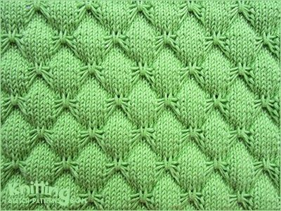Butterfly stitch is a pretty knitting stitch. The reverse looks ...