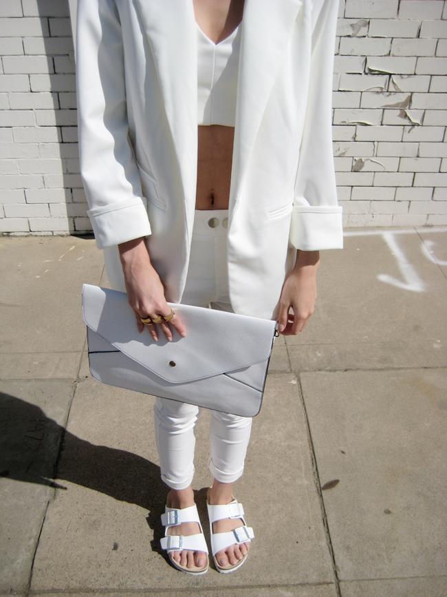 45b8fd91d40 Mery M. | fashion | Birkenstock style, Black white fashion, White ...