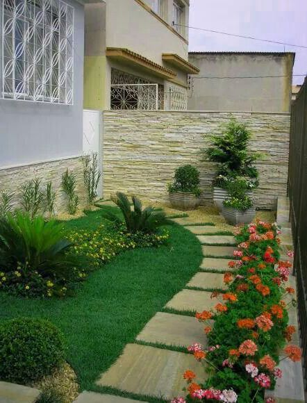 Plantas para jardines pequenos decorar jardin for Frentes de casas con jardines pequenos