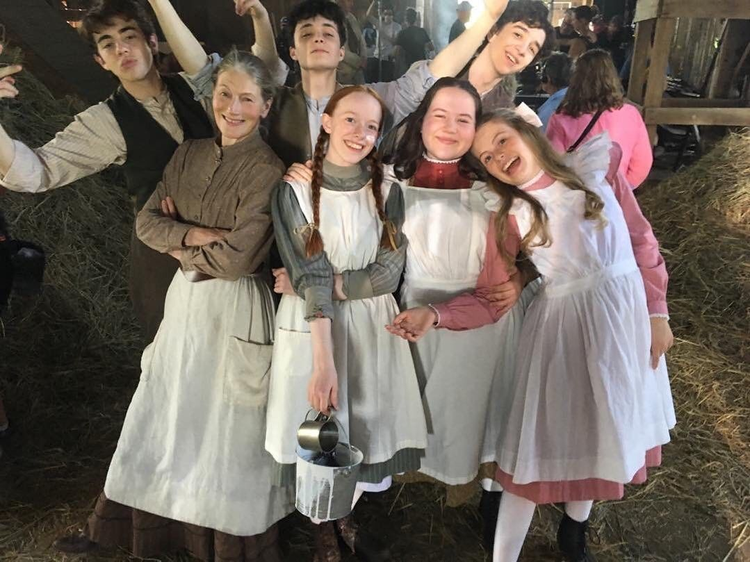 Pin By Overthinking Angel On Anne With An E Anne White Gilbert And Anne Anne Shirley